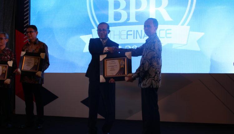 Bank Kota Bogor Raih Peringkat 10 Terbaik se-Indonesia, No 1 se-Jabar
